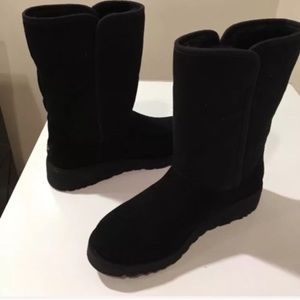 🎁New Ugg Black Amie Wedge suede Boots Sz 5
